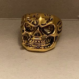 Brand new Skull ring with Cigar size 10